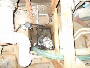 耐熱水中ポンプ設置写真1